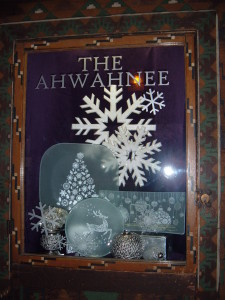 Ahwahnee Portecheir Snowflake Window